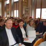 Uczestnicy konferencji. Od lewej siedzą: ks. prof. Jacek Siewiora, mgr Renata Mielak, dr Renata Smoleń