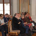Uczestnicy konferencji w Sali Lustrzanej