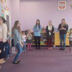 Studentki podczas zajęć w przedszkolu