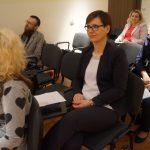 Uczestnicy konferencji, na pierwszym planie dr Barbara Klasińska