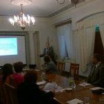 Dr Kazimierz barwacz podczas wystąpienia na konferencji w Siedlcach