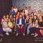 Zdjęcie grupowe studentów MWSE bawiących się na Erasmus Party