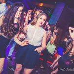 Tańczące studentki