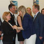 Promotor, dr Renata Smoleń i Recenzent prof. Janusz Morbitzer gratulują studentom