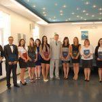 Zdjęcie grupowe studentów z promotorem prof. Y. Pelekhiem