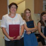 Studentki prezentują prace dyplomowe