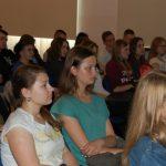 Uczennice Lo podczas wykładu