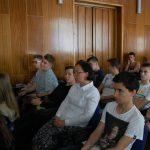 Uczniowie i nauczyciel podczas wykładu