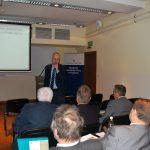 dr inż. Krzysztof Hankiewicz odpowiada na pytania w trakcie dyskusji