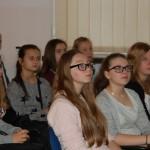 Gimnazjaliści uczestniczący w wykładzie