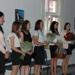 Studentki podczas ogłoszenia wyników