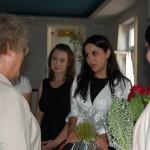 Studentki dziękują promotorowi dr Marii Dąbrowy