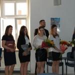 Grupa studentów podczas ogłoszenia wyników