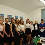 Studenci z członkami komisji: prof. Zofią Brańką, dr Sabiną Kurzawą i dr Michałem Korbelakiem