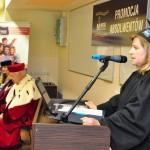 Władze Uczelni podczas przemówienia Pani mgr Joanny Wilkońskiej
