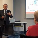 Prof. dr hab. Leszek Kozioł podczas prowadzenia panelu