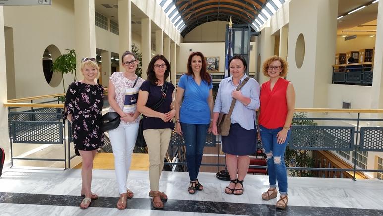 Pracownicy MWSE na wspólnym zdjęciu z pracownikami biura współpracy zagranicznej uczelni partnerskiej