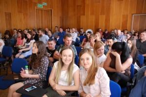 Studenci zgromadzenie na wykładzie na temat Soft Mark