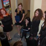 Studentki w oczekiwaniu na egzamin
