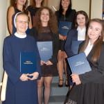 Studentki przed egzaminem dyplomowym