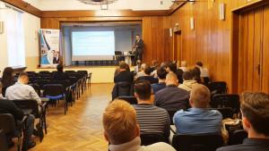 Uczestnicy wykładu (widok z tyłu sali)